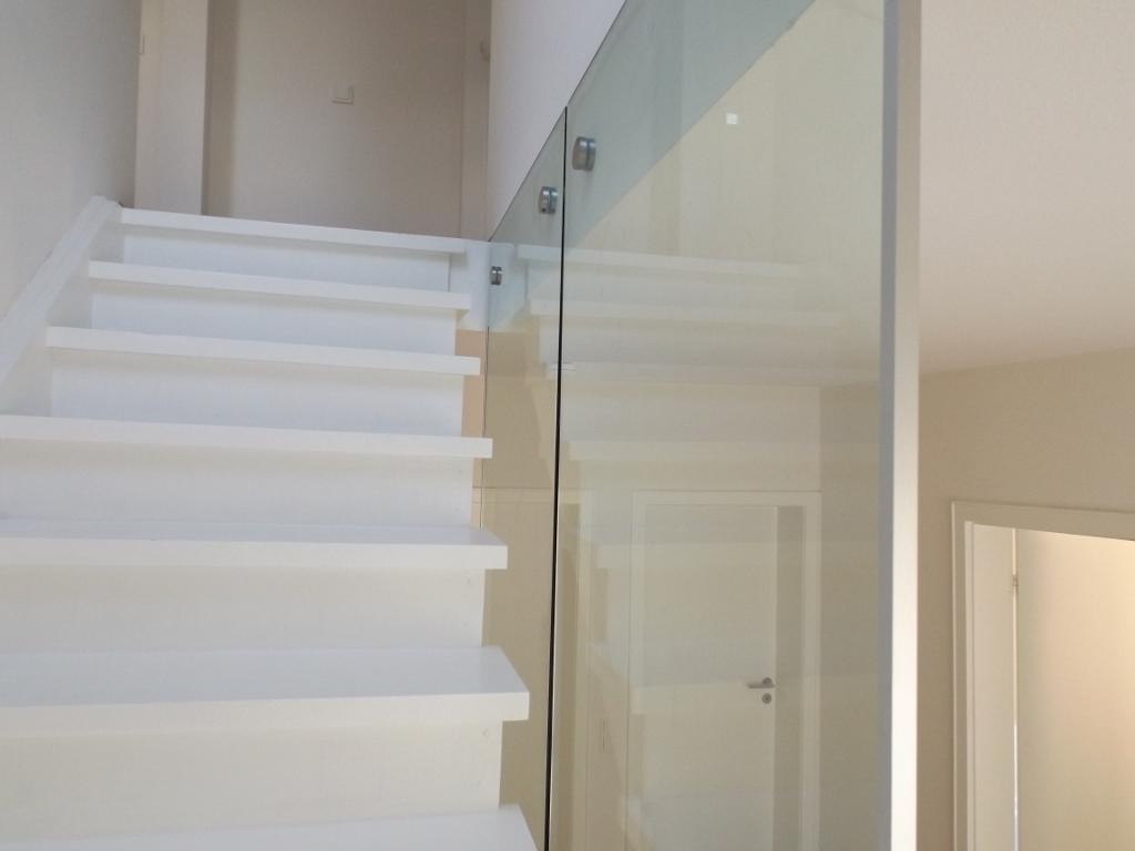 ganzglasgel nder mit know how. Black Bedroom Furniture Sets. Home Design Ideas