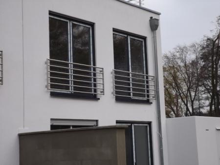Edelstahl Fenstergitter Franzosischer Balkon R Line 6 Stuck Waagerechte Rohre O33 7 Mod 633